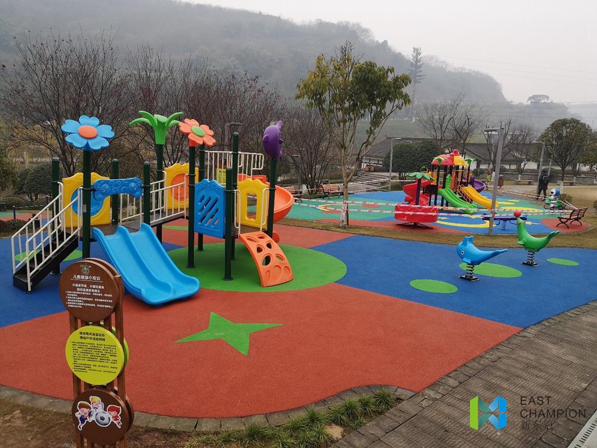 儿童游乐设施.jpg